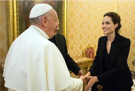アンジェリーナジョリーローマ法王