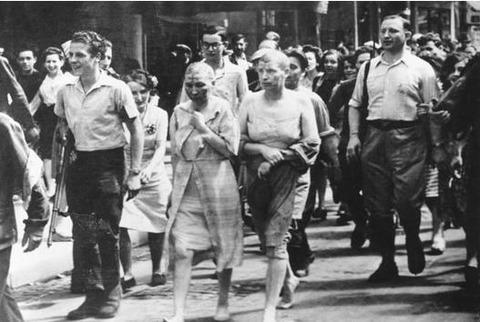 パリの解放女性丸刈り