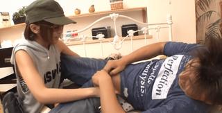 夏目優希 撮影スタッフに紛れ込んだ痴女すぎる美少女に突然チ○ポを襲撃される新人男優