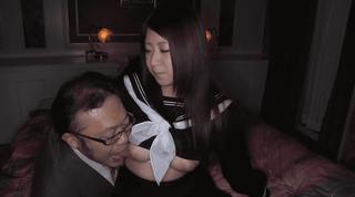 冬セーラー服の美巨乳美少女JKと性交する事に成功した太ったオジサン