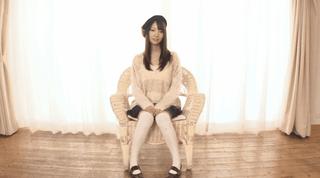 鈴木心春 ニーハイが可愛い美少女が脱ぐ!!・・・だけ。でも美巨乳が拝めちゃう(´∀`)