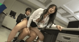深夜の会社でセックス