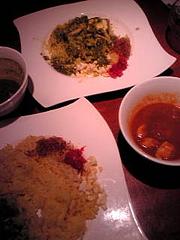 小松菜カレーとチキンカレー