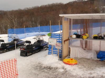 雪の村5モービル