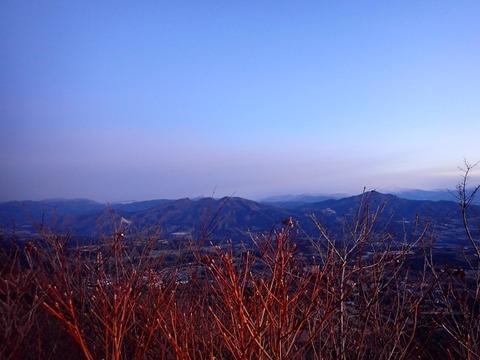 101 6:38山頂から上越国境