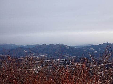 103 谷川は雪雲の中