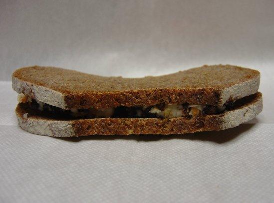 ライ麦のフルーツバターサンド1