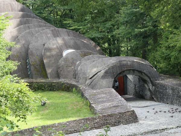 石の教会 (2)