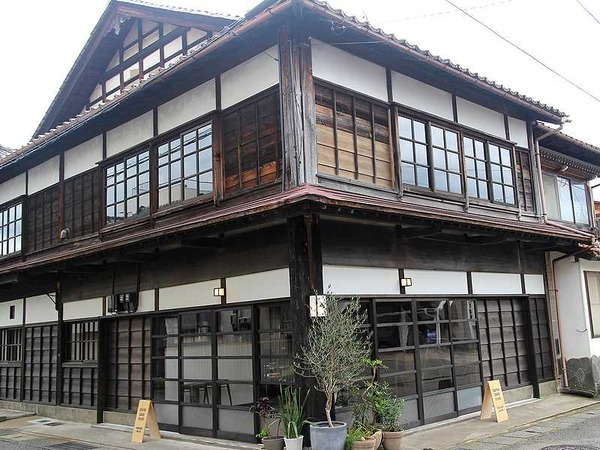 FUZON KAGA Cafe and Studio (23)