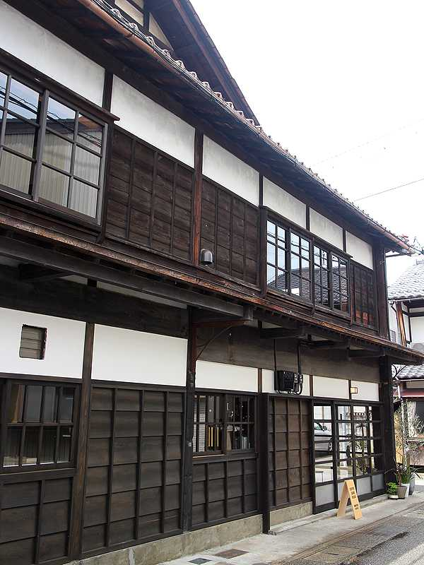FUZON KAGA Cafe and Studio (2)
