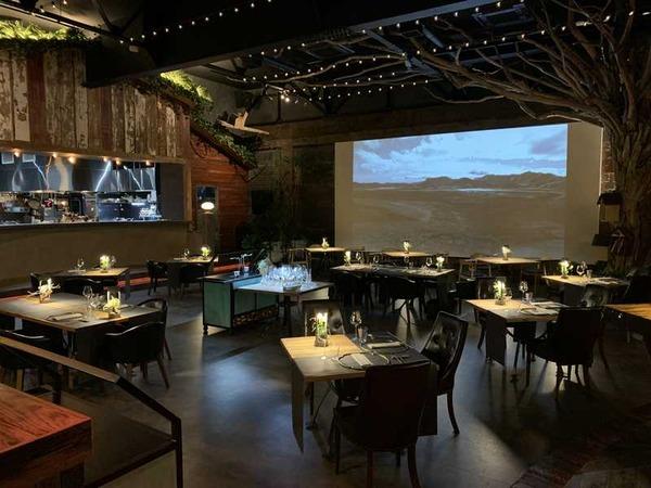 A_Restaurant (4)