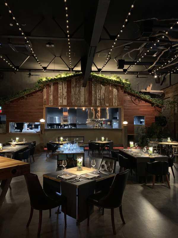 A_Restaurant (11)