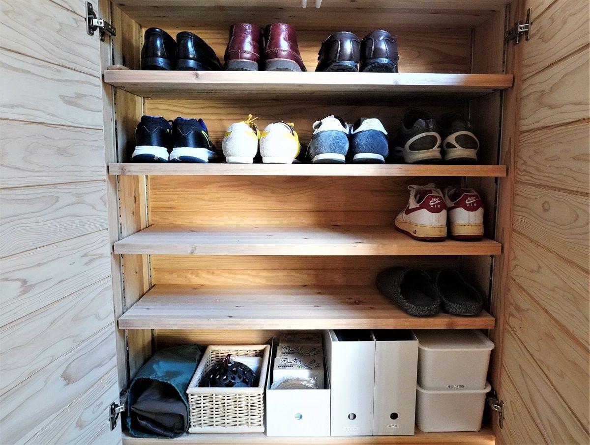 玄関靴箱6