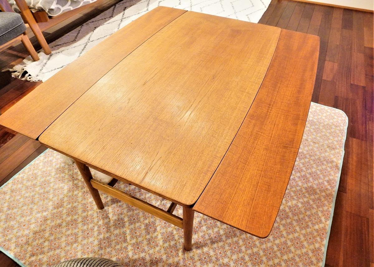 カフェテーブル4