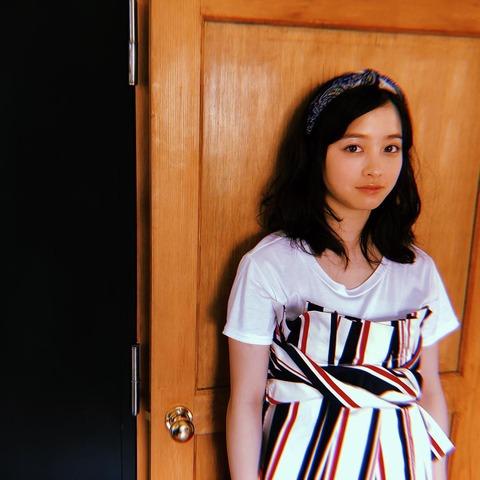 【芸能】橋本環奈、デコ出しヘアが可愛い 最近の悩みとは?