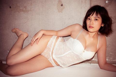 """【モデル】筧美和子、SEXY下着で""""史上最高グラビア""""「Oh! モーレツ」"""