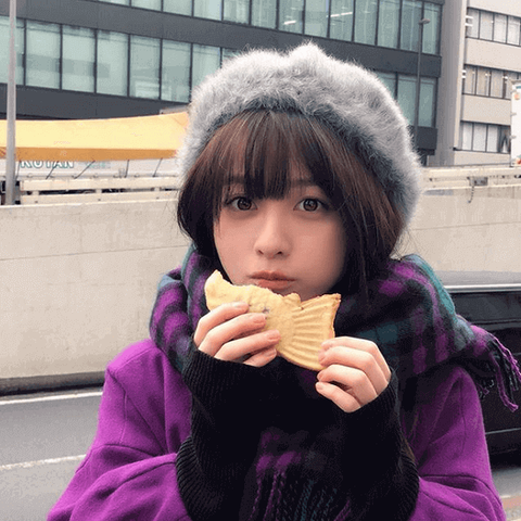 【芸能】橋本環奈、たい焼きを食べる姿にファン悶絶「可愛すぎて心臓に悪い」「破壊力半端ねぇ」
