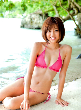 【芸能】菊地亜美、トレエンたかしにおっぱい揉まれる