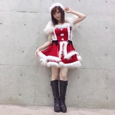 【NMB48】山本彩、ミニスカサンタ姿で美脚あらわ 「可愛すぎる」「もはや天使」の声も