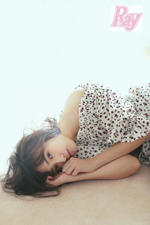 """【欅坂46】""""顔面偏差値が高すぎる""""超絶美少女・渡辺梨加「人間じゃないのかもって思う」 ミステリアスな性格を自己分析"""