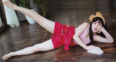 橋本環奈がローカルテレビのヨガ体験で胸チラ連発wwwwwww