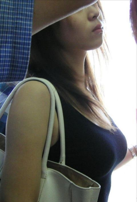 パンチラと胸チラどっちが好き?