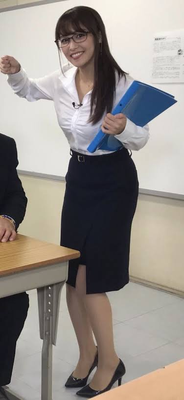 宇垣美里さんのおっぱいwww