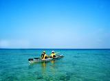 透き通った海を漕ぐ