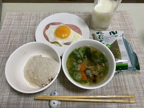 【画像あり】34歳女の子出勤前の朝ご飯wwwwwwwwwwwww