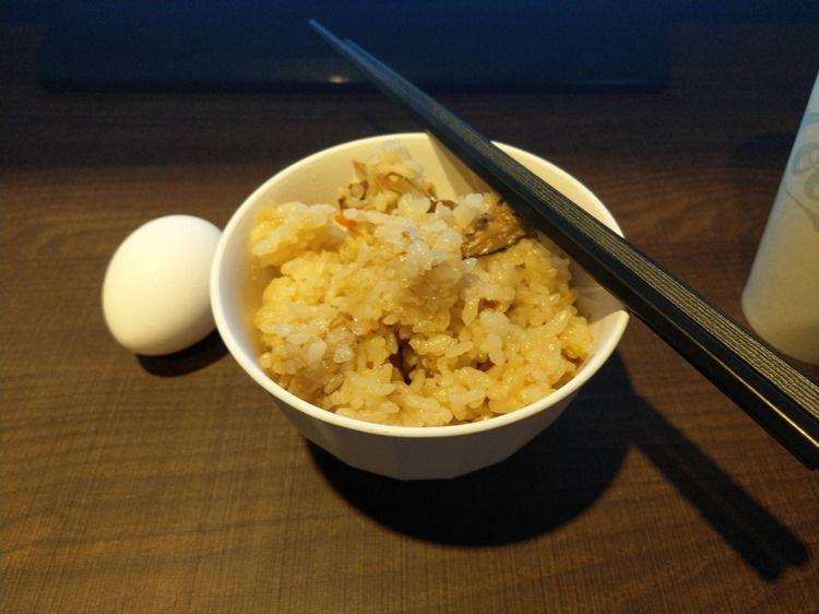 【画像】ワイ、ネカフェで食べ放題ご飯をペロリ