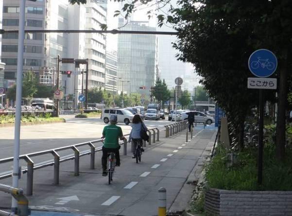 自転車通行を考慮した交差点設計...