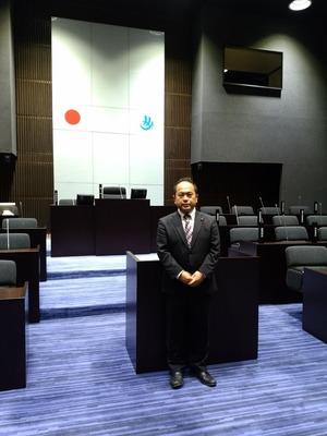下関市議会議場にて