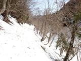 下谷の林道 残雪がたっぷり 除雪がたいへんそうだ