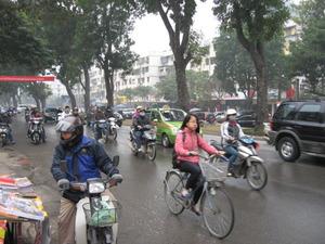 2281「バイクに自転車」
