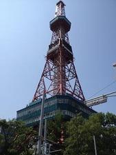 テレビ塔を眺めつつ