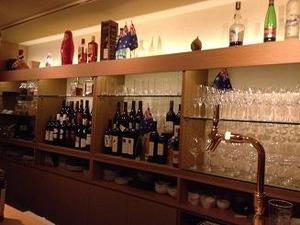 棚にはオージーワインがいっぱい