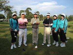 ゴルフ初日は大快晴