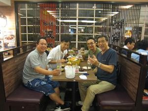 寅次郎チェンマイ支店で乾杯
