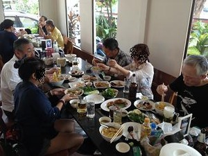 テーブルいっぱい