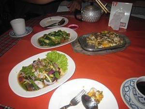 晩飯は中華料理で