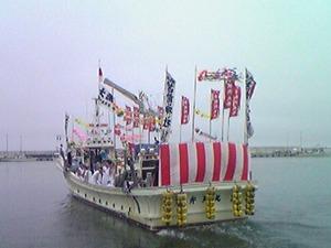 2512御輿船出向