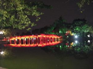 2284「ホアンキエム湖の夜」