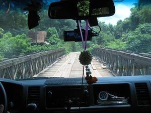 壊れそうな橋
