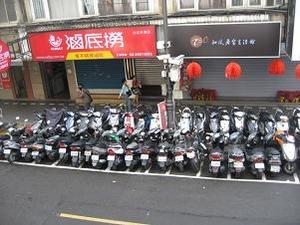 スクーター2重駐車