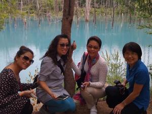 美瑛の青の池