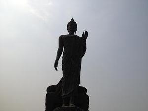 帰る途中で寄った仏陀像