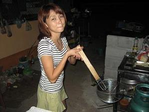 2487実家で家庭料理作る