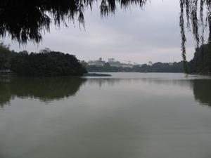 2284「ホアンキエム湖」