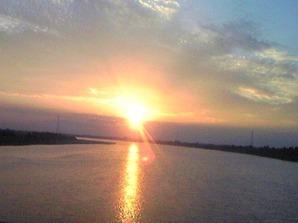 2149「メコン川の夕陽行き」
