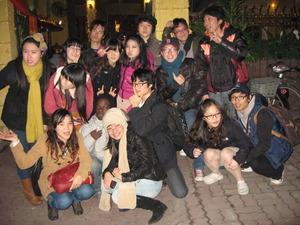 2285「留学生記念撮影」